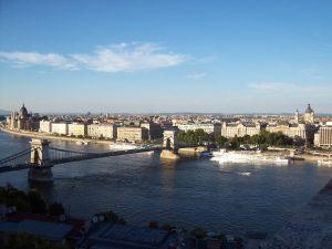 Vue sur Budapest depuis la colline de Gellert